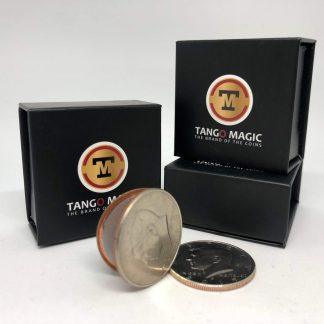Coin thru card Half Dollar (D0016)