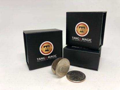 Coin thru card Quarter Dollar (D0017)